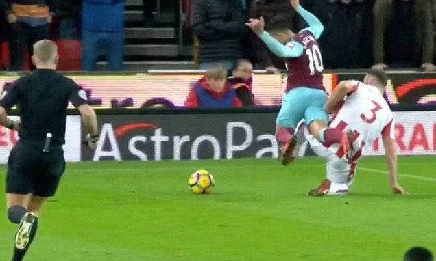 Manuel Lanzini charged for simulation against Stoke