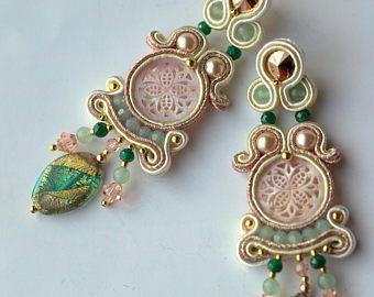 Orecchini soutache madreperla smeraldo giada argento oro