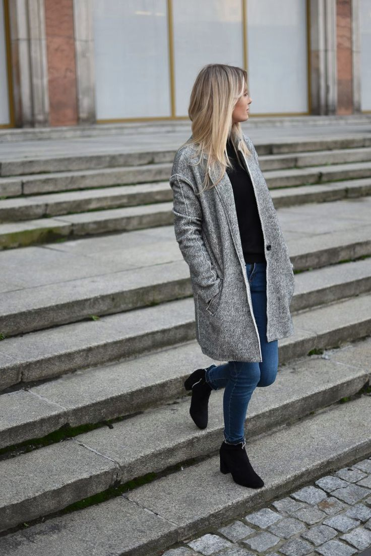 Grey jacket. Street Style.Blog Every Style www.everystyle.pl