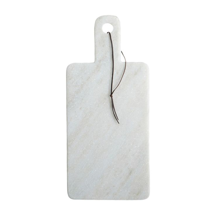 Beautiful cutting board / cheese board in white marble by the Danish design brand House Doctor. SE: Snygg skärbräda CHEESE i vit marmor – House Doctor.