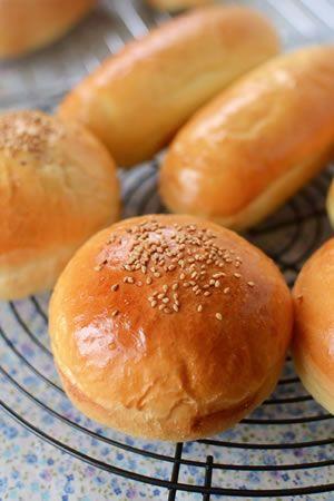 型で作るふっくらバンズ&ドックパン