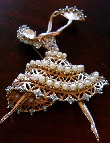 Vintage Ballerina Fan Dancer - Coro Craft Rhinestones/faux Pearls Brooch