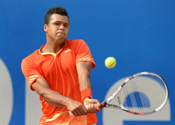 France's Jo-Wilfried Tsonga returns the ball during his ATP tennis BMW Open last sixteen round match against Germany's Tommy Haas in Munich, southern Germany, on May 2, 2012.