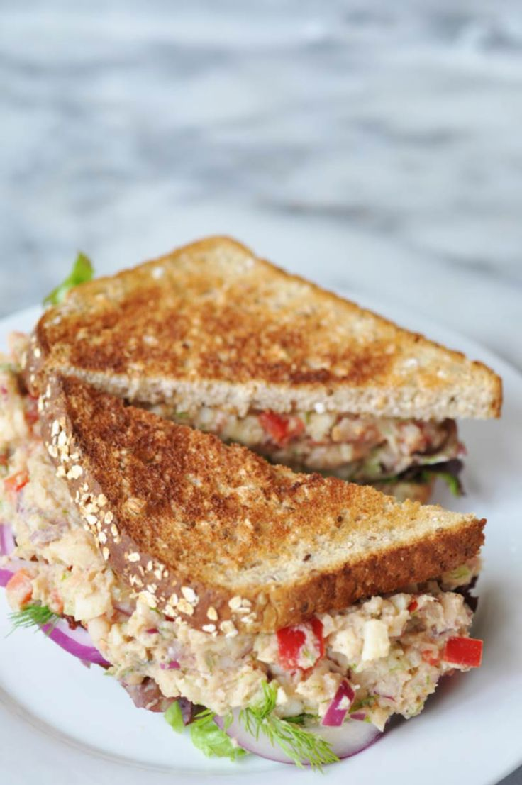 """Vegan """"Tuna"""" Salad! This vegan """"tuna"""" salad recipe is made with white beans and palm hearts. You''re going to love it. www.veganosity.com"""