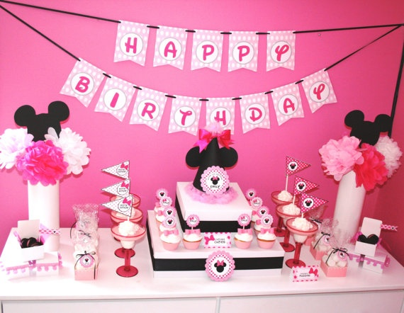 Minnie Mouse party set up: Parties Hats, Parties Packaging, Kids S Parties, Birthday Parties, Parties Display, Minnie Parties, Parties Ideas, Bday Parties Ev, Minnie Mouse Parties