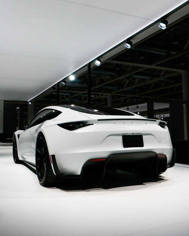2020 Tesla Roadster in white. 060mph In 1.9 Seconds. 0