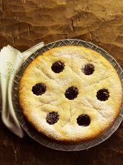 Torta de castanha-do-pará e geleia de morango