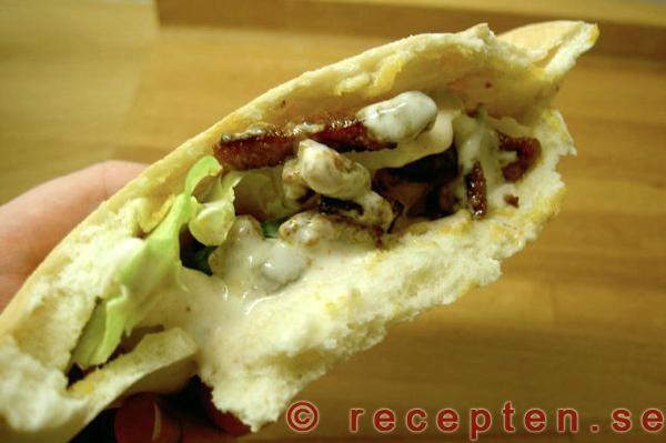 Smårätter kött: Kebab i pitabröd