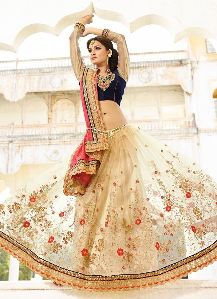 #WeddingSarees Online #Shopping features to be noticed