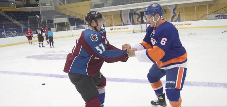 [VIDÉO] Voici ce qui se produit quand des joueurs de hockey essaient le patinage artistique