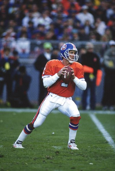 Quarterback John Elway of the Denver Broncos 1996