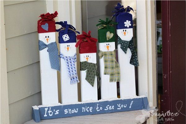 Handmade Greeting Snowmen. Snowmen are my favorite in winter. These greeting smowmen are just so cute and make a point for your winter decoration.