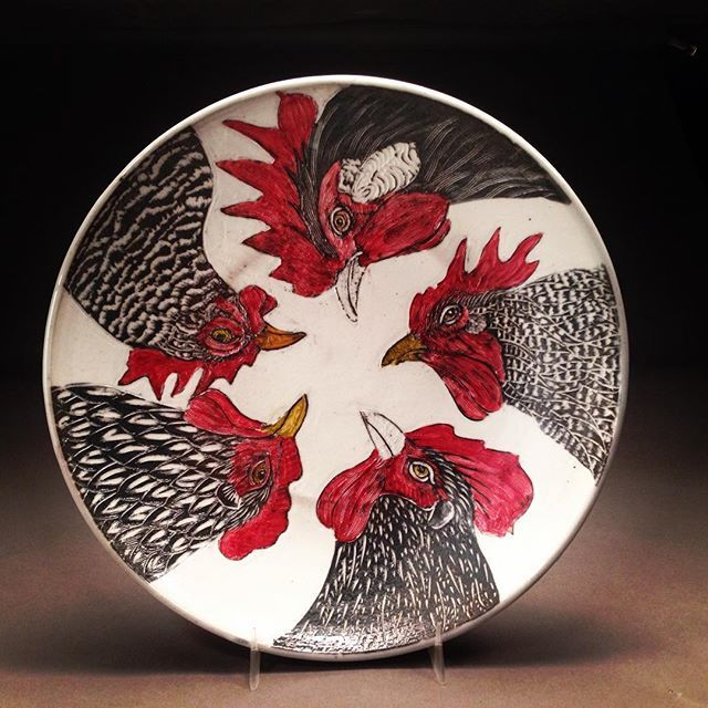 Here's how the 5 chicken bowl turned out.  #porcelain  #pottery  #sgraffito  #surfacedecoration #ceramica  #ceramics  #keramik  #keramiikka  #keramisch #seramika#potterswithchickens  #barredrock #delaware #lakenvelder #chickens #roosters  #poultry #fowl #barnyardanimals  #farmhousestyle  #farm #farmyardfriends  #silverlacewyandotte