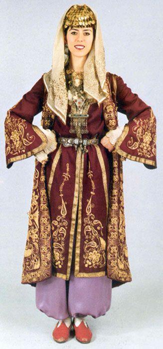 Traditional festive costume from Beypazarı (85 km west of Ankara). Recent production (ca. 1980).