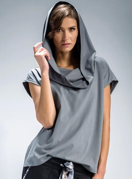 #szara #Bluzka typu #oversize, z obszernym kapturem, który pięknie się układa. #mapepina #blouse  #gray #fashionproject #fashion #modern #active #women #streetstyle #styl #ubranie #ciuchy #stylizacja #nowe #warszawa #cute #schön #bluse #blúzka #halenka #chemisier #blus