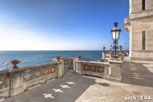 Картинки по запросу стоковое фото колонны море закат