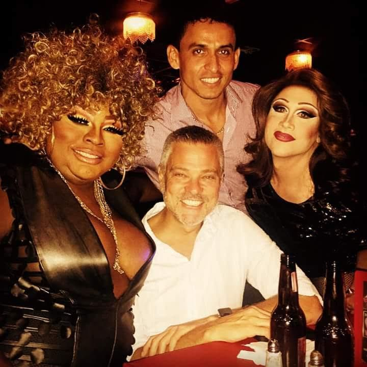 Nicole T. Phillips and Daisy Deadpetals welcome a couple of handsome customers to LIPS Fort Lauderdale! #dragdining