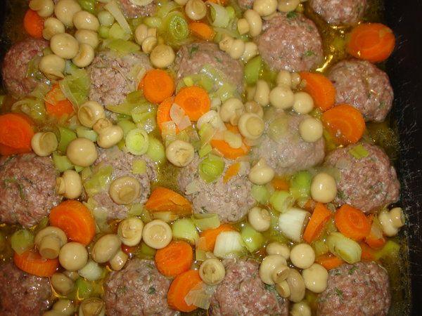 Chiftele cu legume la cuptor - Bucataria cu noroc