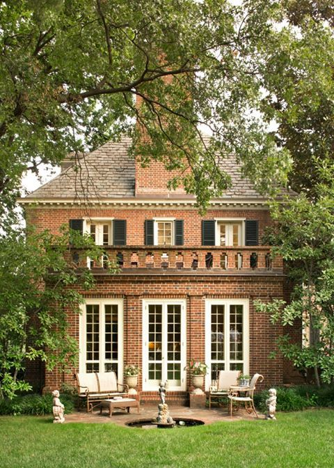 Brick house, doors to a patio #exterior #architecture