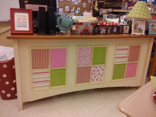 i'll never have a teacher desk that looks this cute but i really like it!