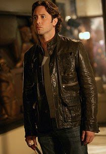 Vampire Mick St John Alex O'Loughlin from Moonlight TV Show television series promo promotional photograph