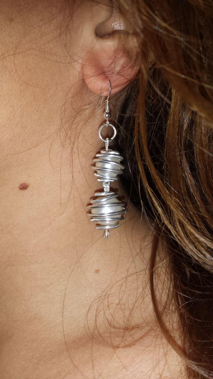 orecchini alluminio wire e perle  earrings wire and pearls