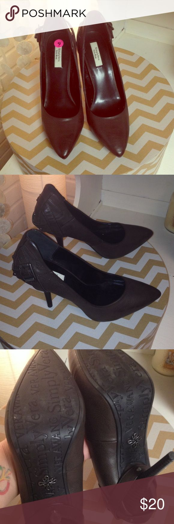 Simply Vera Vera Wang Size 9 high heels briefly worn instore NWT absolutely stunning! Simply Vera Vera Wang Shoes Heels