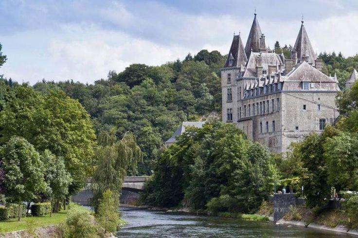 """DURBUY (be): """"la plus petite ville du monde"""", en 5 minutes, il est possible d'en faire le tour. Située dans les Ardennes belges, idéale pour une virée dans le Sud."""