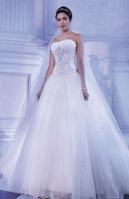 Robe de mariée, Modèle 2871, Demetrios, catalogue 2014. Corset, jupe, tulle et cristaux (peut être en organza et dentelle). Vue de devant.