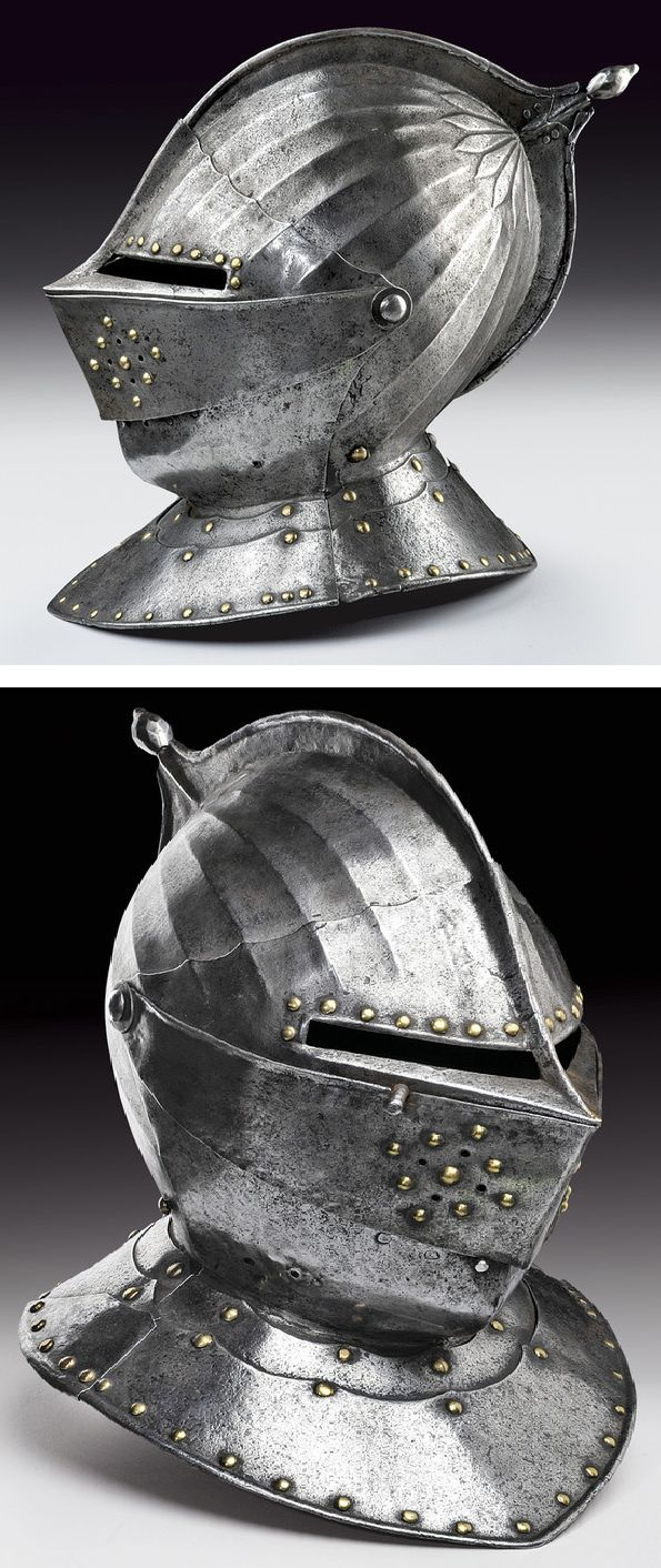 A closed helmet.    provenance: France dating: first quarter of the 17th Century.