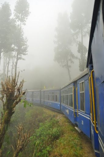 Darjeeling, the little train that goes up into the mountains