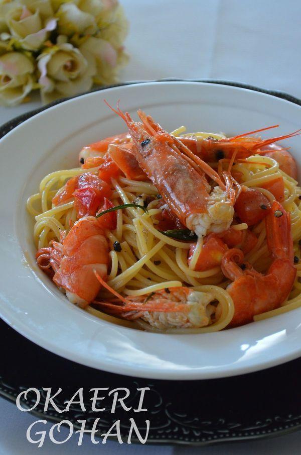 シンプルが美味しい「オイルパスタ」レシピ7選! - macaroni 4.有頭エビをふんだんにあしらって
