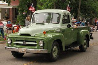 Internationaler Kleintransporter der R-Serie. Ab den 1950er Jahren.   Flickr   – International L R and S series trucks