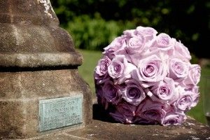 A bouquet of lilac-coloured roses.
