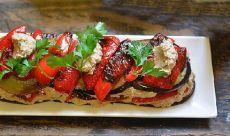 Однозначно, стоит попробовать! Чесночно-ореховый салат с баклажанами и перцем — Вкусные рецепты