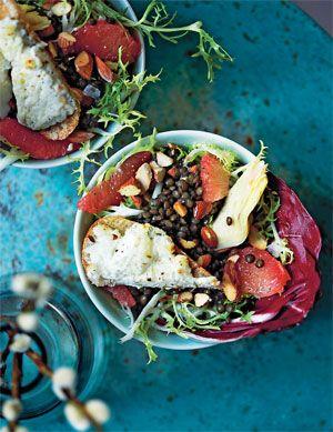 Salat med belugalinser og lun toast - GRØNT - Opskrifter - Mad og Bolig
