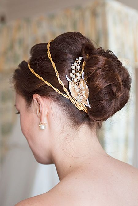 Classic updo with vintage-y gold accessories #weddings #weddinghairstyles