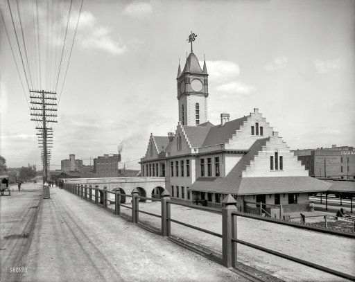 """Circa 1906. """"Southern Railway station, Knoxville, Tenn."""" What has four faces but no hands? 8x10 inch glass negative, Detroit Publishing Company."""