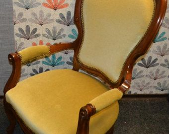 Handgemalte Möbel Stuhl bunt verrückt lila