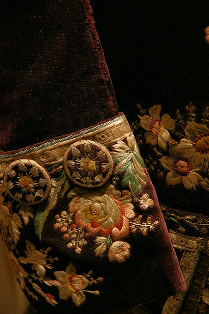 Embroidery cuff and covered button detail, Frockcoat, 18th century, via Flickr