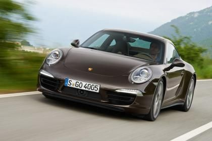 Porsche 911 Carrera 4S Coupe front action