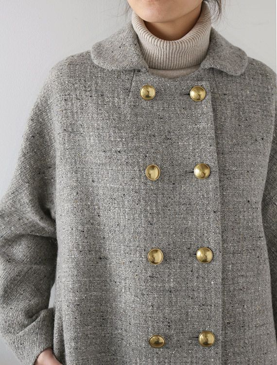 Lionel・gray boxy coat with brass buttons