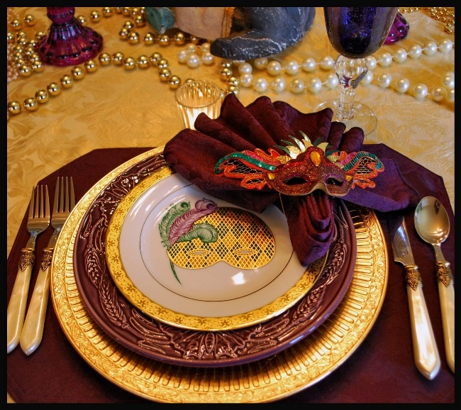 A Mardi Gras Table Setting Celebration & 17 best Mardi Gras Table Settings images on Pinterest | Place ...