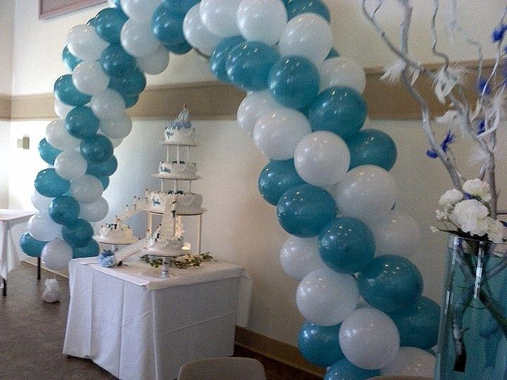 Wedding Head Table ideas in turquoise and lime green  Turqouise and white garland balloon arc