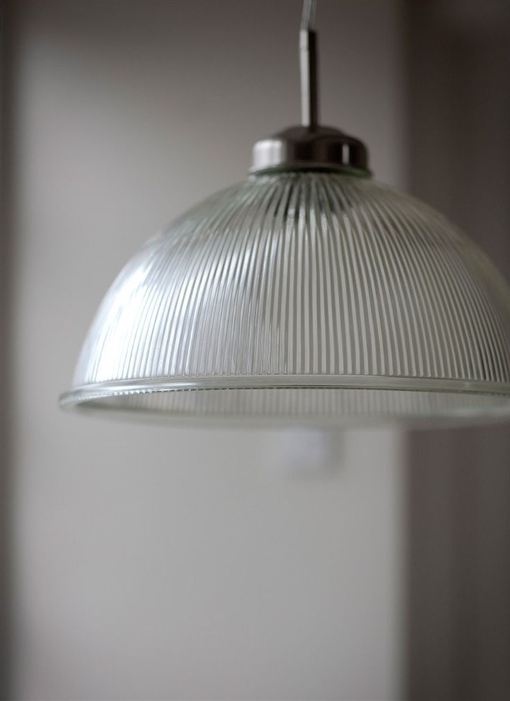 Grand Paris Light is constructed with a vast 38cm glass shade that provides an impressive radius of light.
