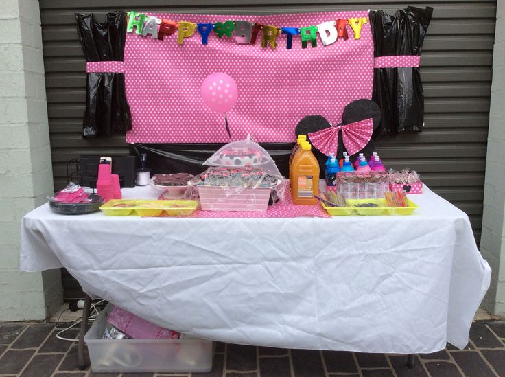 Minnie mouse buffet
