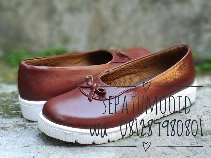 Bismillah... #SepatuKulit Casual Wanita by #SMO  Rp190rb  Happyday... PO  20hari  Cek bio for order... #SepatuKulitAsli #SepatuCasual #SepatuCewek #CasualCewek #SepatuMagetan #JualSepatu #SepatuMurah #FlatformShoes #SepatuFlat #SepatuCustom #SepatuKantor #SepatuOriginal #Shoes #FlatShoes #WomenShoes #LeatherCraft #LeatherShoes #Footwear #HandMadeShoes #SepatuMooID