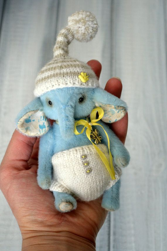 Elephant Teddy Knitting Pattern : 961 best images about Artist Bears on Pinterest Free ...