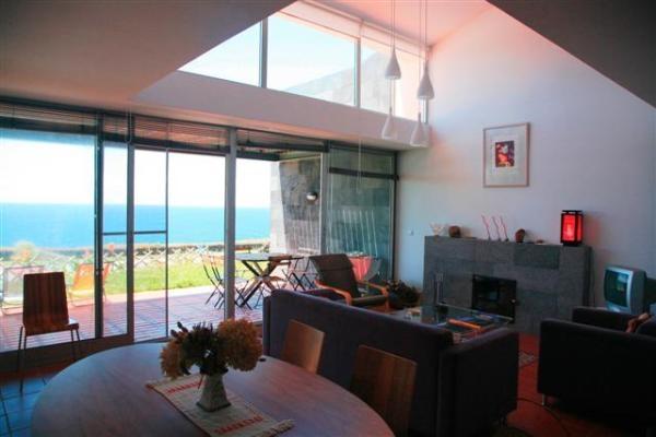 Casa de Campo, Aluguer de Férias em Ponta Delgada Reserve e Alugue - 3 Quarto(s), 2.0 Casa(s) de Banho, Para 7 Pessoas - Villa férias excelentes em Beachfront Ponta Delgada