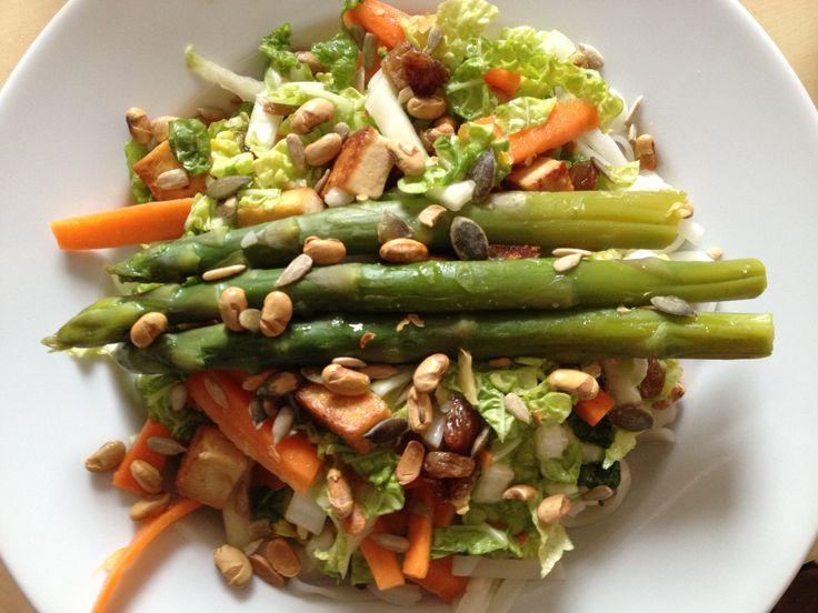 ~ Aziatische koolsalade: lekker & light - De Hippe Vegetariër - Blog over bewust eten en genieten van het leven ~